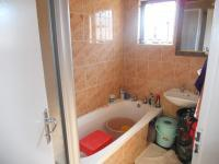 Main Bathroom - 6 square meters of property in Woodview