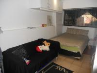 Bed Room 1 - 16 square meters of property in Woodview