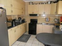 Kitchen - 19 square meters of property in The Hill