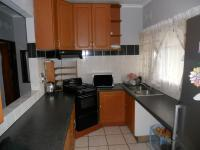 Kitchen - 8 square meters of property in New Germany