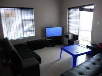 Lounges - 28 square meters of property in Parklands