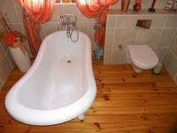 Bathroom 1 - 5 square meters of property in Tergniet