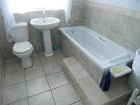 Bathroom 3+ - 8 square meters of property in Tergniet