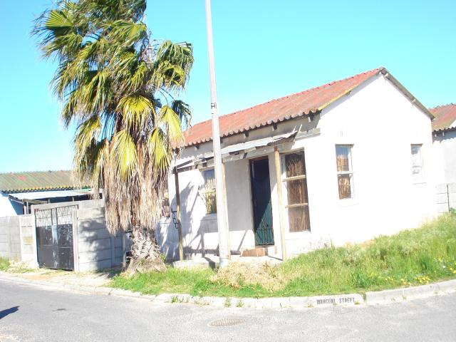Standard Bank EasySell 3 Bedroom House For Sale in Bellville - MR099800