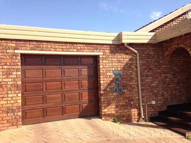 3 Bedroom House For Sale in Atteridgeville - Home Sell - MR099807