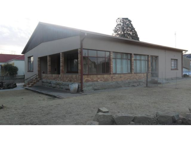 4 Bedroom House for Sale For Sale in Senekal - Private Sale - MR099900