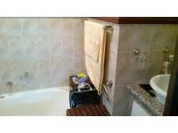Main Bathroom - 3 square meters of property in Mulbarton