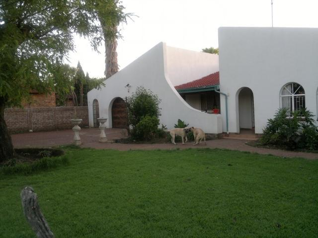 3 Bedroom House For Sale in Kempton Park - Home Sell - MR099945
