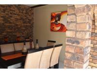 Dining Room - 16 square meters of property in Kloofendal