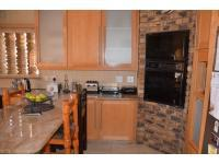 Kitchen - 32 square meters of property in Kloofendal