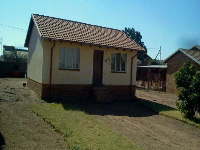 2 Bedroom House for Sale For Sale in Soshanguve - Home Sell - MR099965