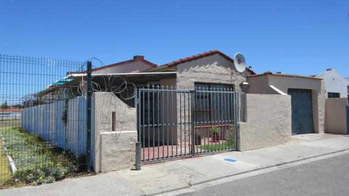 Standard Bank EasySell 3 Bedroom House for Sale For Sale in Mitchells Plain - MR099969