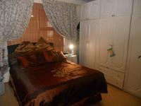 Main Bedroom - 16 square meters of property in Athlone