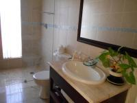 Bathroom 1 - 5 square meters of property in Magaliessig