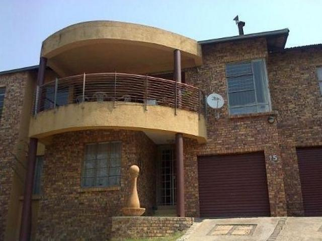 3 Bedroom House For Sale in West Acres - Private Sale - MR100011