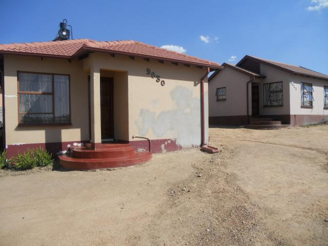 2 Bedroom House For Sale in Olievenhoutbos - Private Sale - MR100020