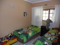 Bed Room 1 - 13 square meters of property in Port Edward