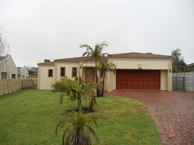 3 Bedroom House for Sale For Sale in Herolds Bay - Home Sell - MR100057