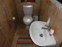 Bathroom 1 - 2 square meters of property in Herolds Bay