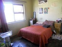 Main Bedroom - 15 square meters of property in Parow Central