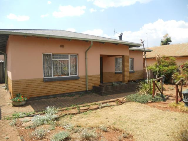 Standard Bank EasySell 3 Bedroom House for Sale For Sale in Randgate - MR100127