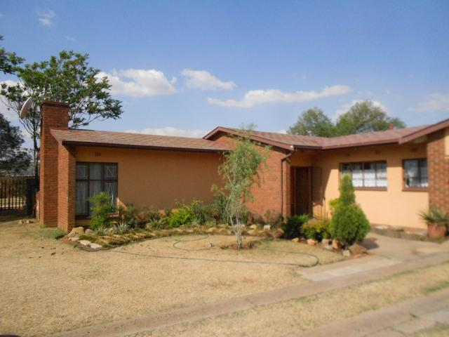 3 Bedroom House For Sale in Springs - Home Sell - MR100135
