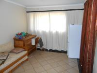 Lounges - 25 square meters of property in Garsfontein