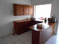 Kitchen - 22 square meters of property in Roodepoort West
