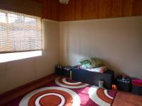 Bed Room 1 - 13 square meters of property in Roodepoort West