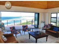 Entertainment of property in St Francis Bay