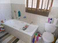 Main Bathroom - 5 square meters of property in Randparkrif