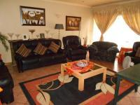 Lounges - 52 square meters of property in Three Rivers