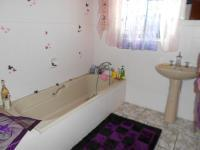 Bathroom 2 - 6 square meters of property in Three Rivers