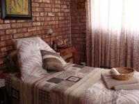 Bed Room 1 of property in Humansdorp