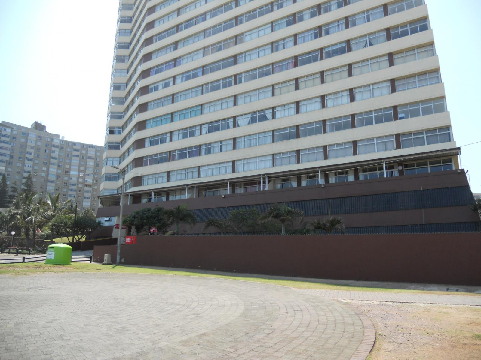 Front View of property in Amanzimtoti