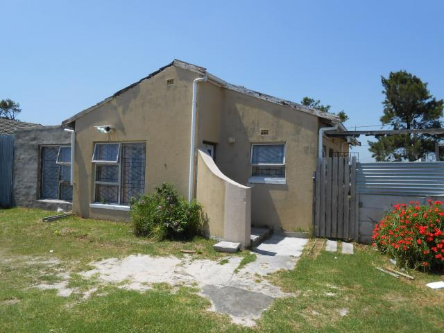 3 Bedroom House for Sale For Sale in Eerste Rivier - Private Sale - MR100431