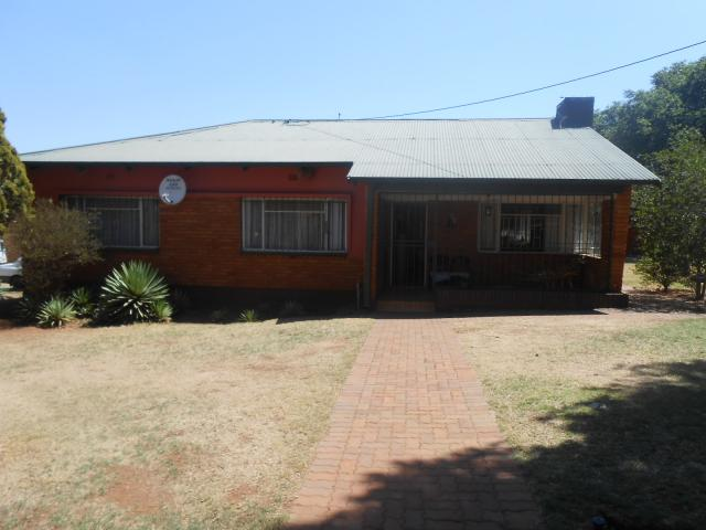 Standard Bank EasySell 3 Bedroom House for Sale For Sale in Valhalla - MR100432