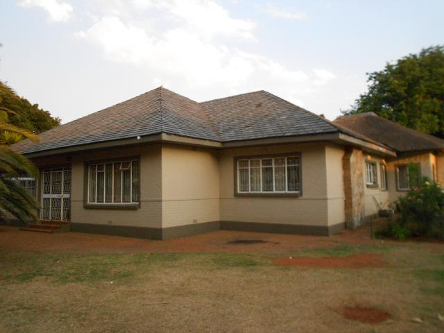 3 Bedroom House For Sale in Brakpan - Home Sell - MR100458