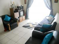 Lounges - 12 square meters of property in Thornton