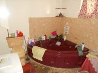 Main Bathroom - 10 square meters of property in Waverley