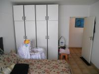 Bed Room 1 - 13 square meters of property in Durban Central