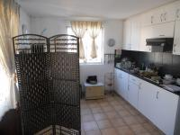 Kitchen - 10 square meters of property in Durban Central