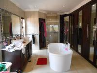 Main Bathroom - 21 square meters of property in Three Rivers