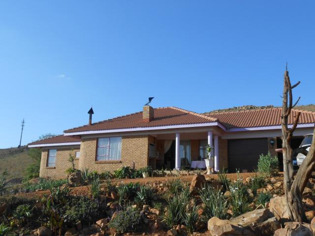 2 Bedroom House for Sale For Sale in Mooiplaats - Home Sell - MR100649