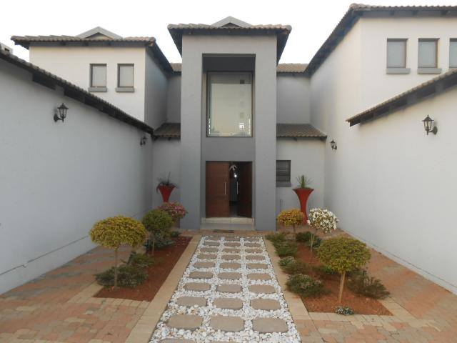 4 Bedroom House For Sale in Midstream Estate - Home Sell - MR100678