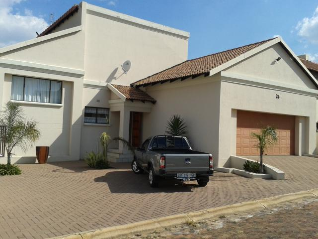 4 Bedroom House for Sale For Sale in Bronkhorstspruit - Home Sell - MR100749