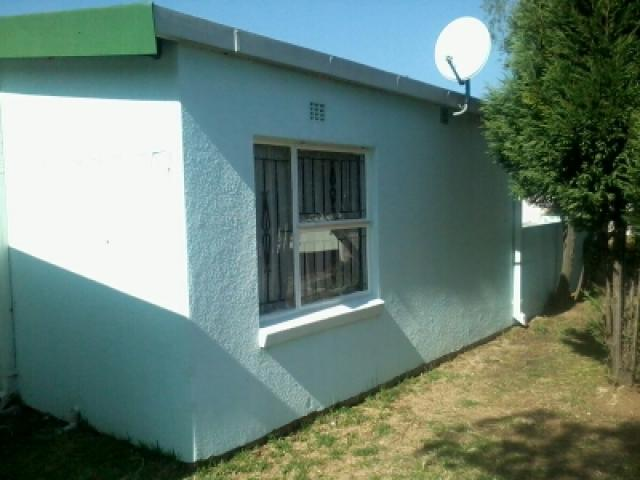2 Bedroom Sectional Title For Sale in Bloubosrand - Private Sale - MR100763