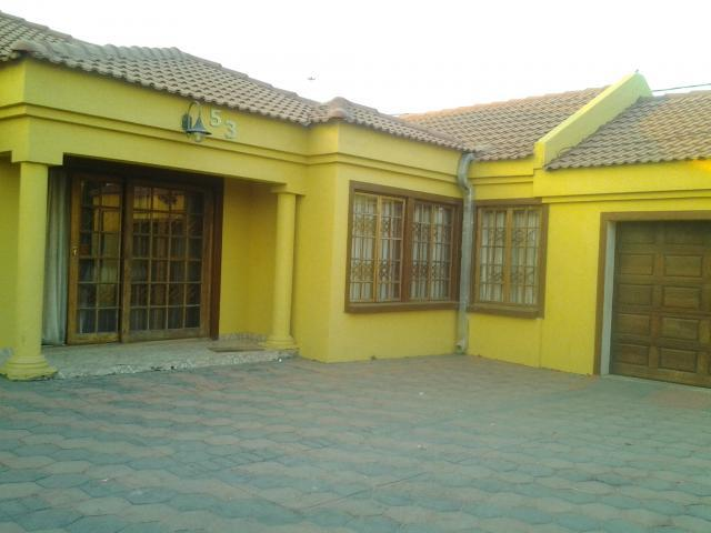 4 Bedroom House for Sale For Sale in Lotus Gardens - Private Sale - MR100772