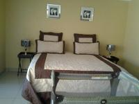 Main Bedroom of property in Lotus Gardens