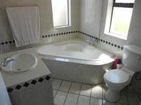 Bathroom 2 - 7 square meters of property in Tergniet